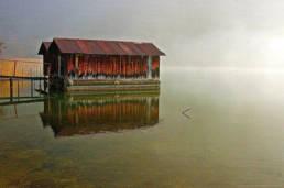La Cabane - lac du bourget belle photographie